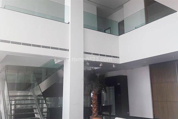 Penthouse Apartemen Pakubuwono Residence with Private Pool 2 lantai