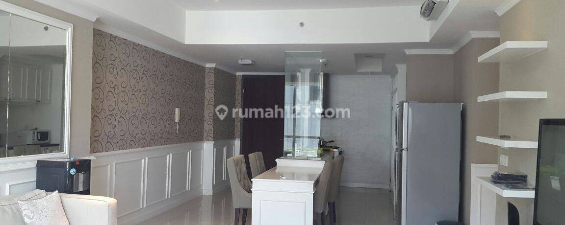 Apartemen Kemang Village 3+1 BR Empire Tower Middle Floor View City