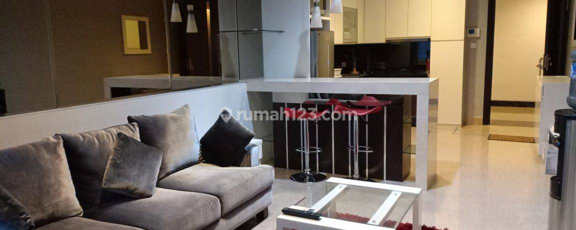 Apartment Mewah Residence 8 Tower 2 Middle Floor Siap Huni Furnished