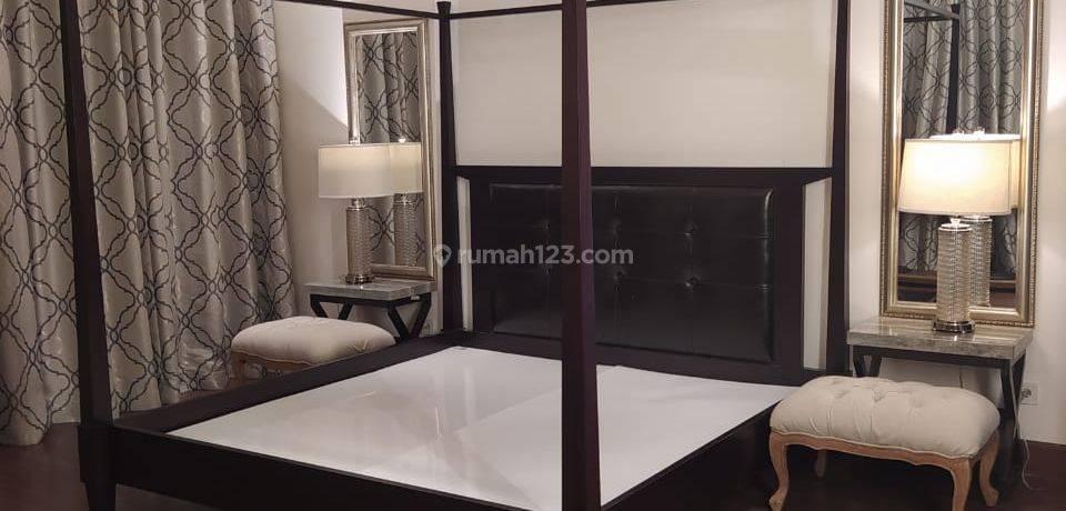 Harga Paling Murah Unit Sangat Terawat, Full Furnished 4bed+Study Room Ukuran 385sqm di Pakubuwono Signature Apartemen Terbaik dan Paling Homey di Jakarta