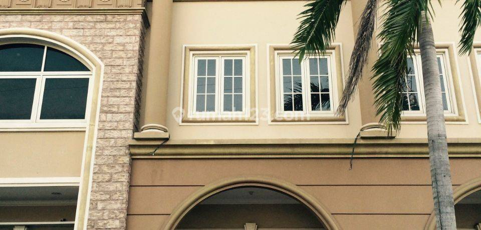 Ruko Puri Mansion, strategis, parkir luas