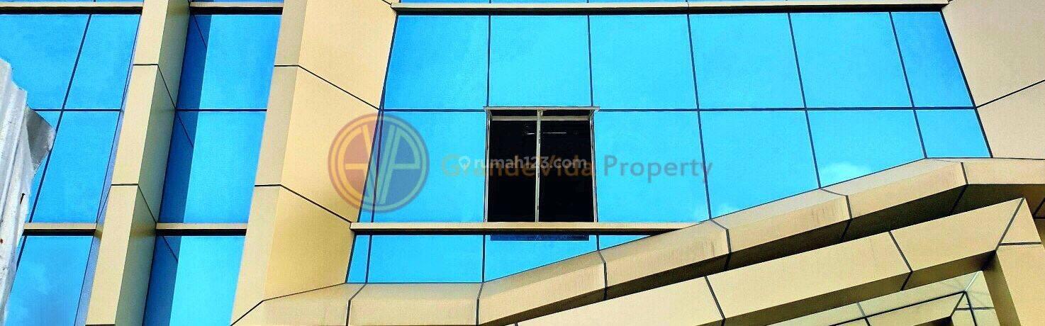 KEMANG / AMPERA - BRAND NEW BUILDING, LOKASI PRIME, PINGGIR JALAN RAYA