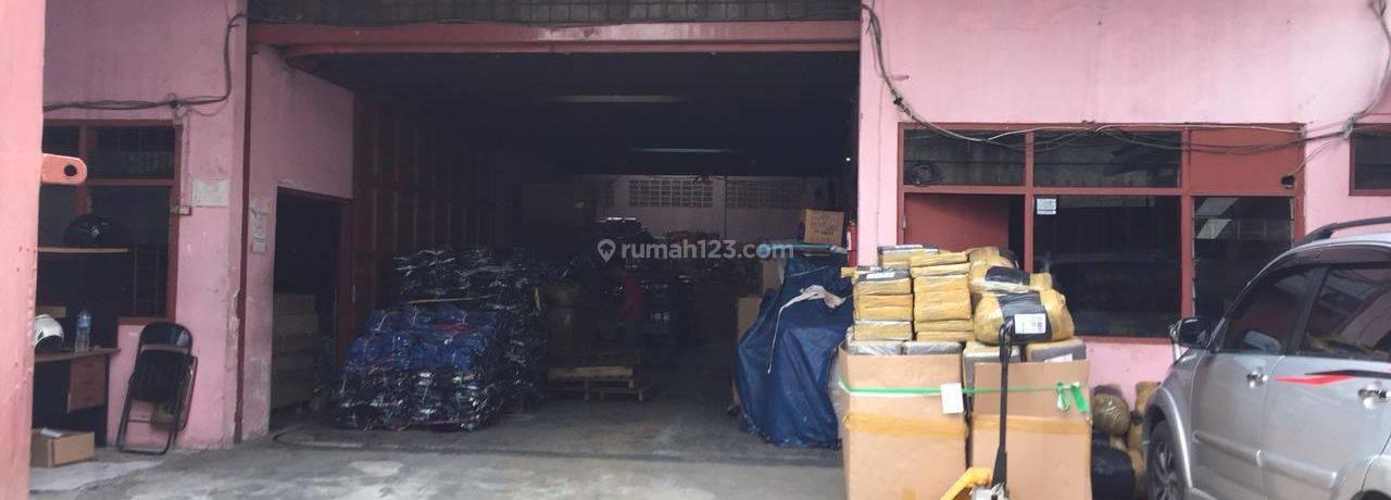 Gudang dan Kantor Kopo Jaya di Komplek Industri