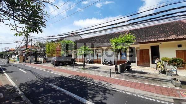 Toko & Restoran Strategis Area Ramai di Jl. Plawa Seminyak