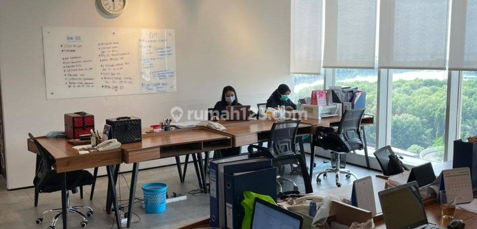 Office Space di Gold Coast PIK. Gandeng 3. Nice View. Furnished. Sangat Bagus. NEGO