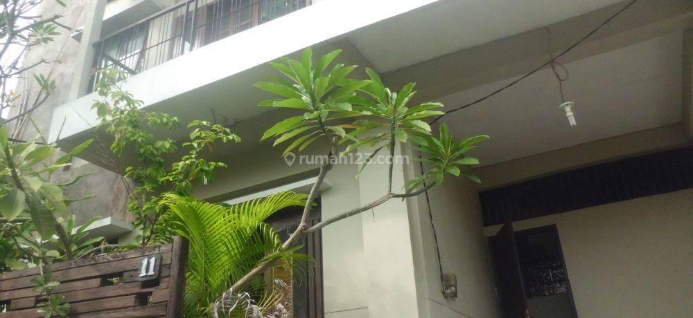 Rumah 3 lantai di Canggu Harga Menarik