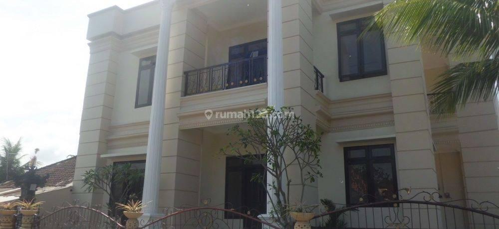 Rumah Cantik dan Luas punya View Sawah