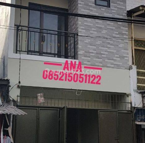 Rumah Ngantong Lokasi Pinggir Jalan Sangat Cocok Dagang/usaha di Jelambar