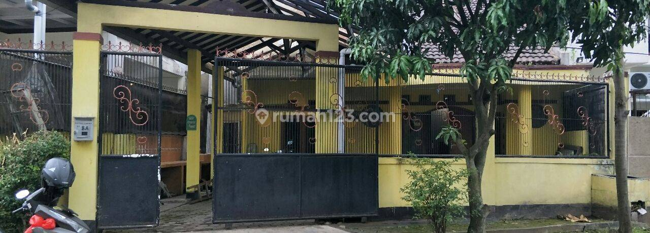 Rumah Tinggal komp Elite Taman Mutiara terletak di jl Raya Cibabat,  seberang depart store Yogya Plaza Cimahi, dekat dengan Rumah Sakit Cibabat, Rumah Sakit Mitra Kasih, Polres,  Superindo,  KFC, Pizza Hut , dsb