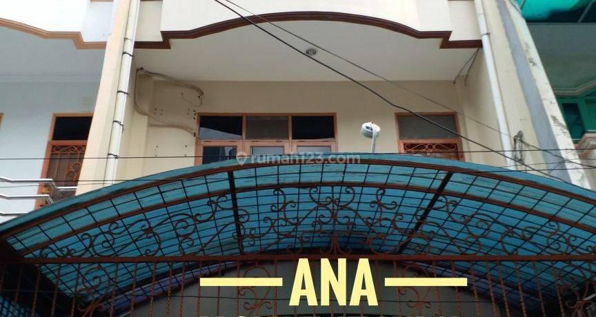Rumah 4,5x15m kondisi Bagus di Jelambar