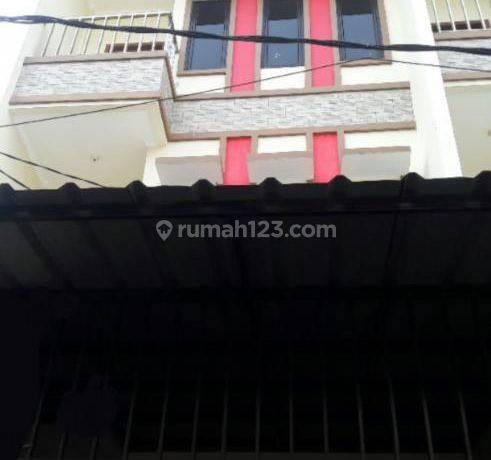Ruko/Rumah uk 4,5x18m Hadap Selatan di Jelambar