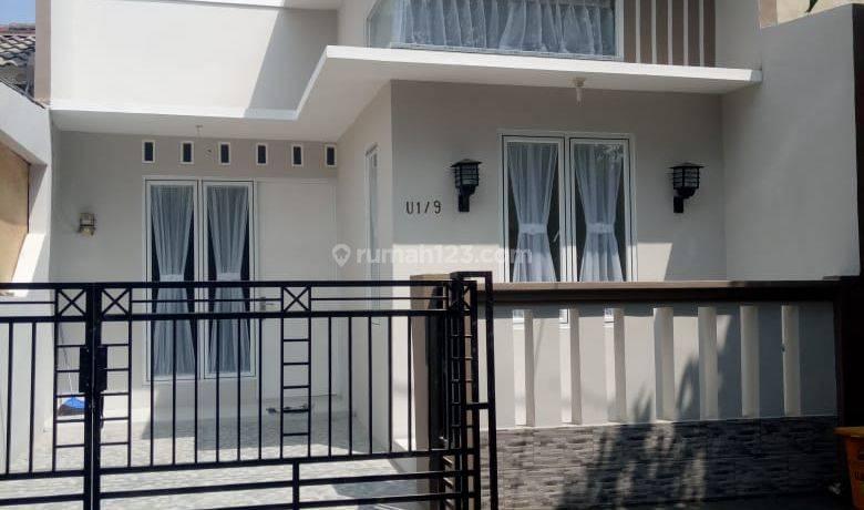 Rumah cantik minimalis siap huni  dalam cluster yg asri citraraya cikupa