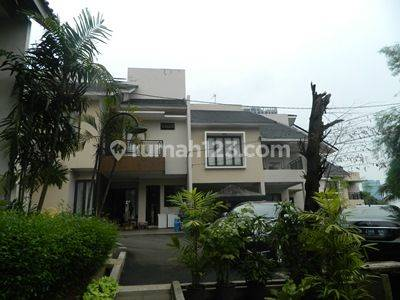 Nice Town House with Private and Share S.pool and Loc next to the Toll Gate of Andara and Gandull