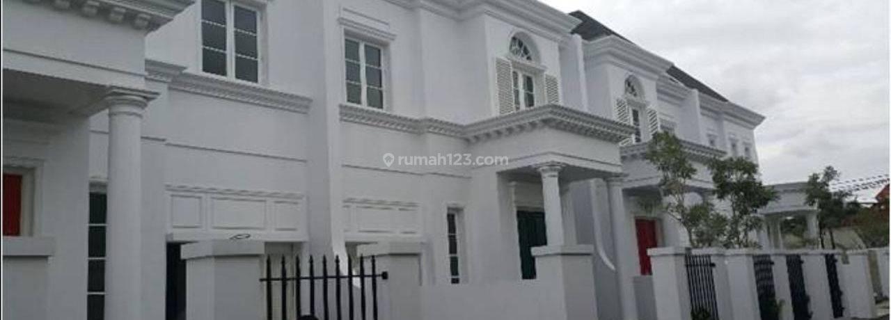 Townhouse di Kemang Dalam 3BR+ Mewah, Private Pool Siap Huni