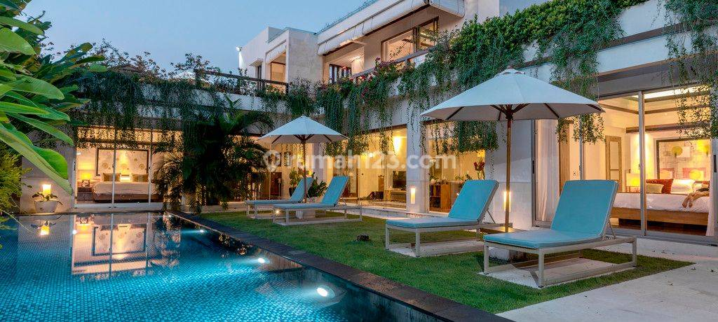 Luxury Villa Freehold  in Great location  Jimbaran Bay