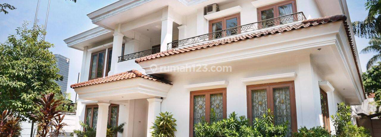Rumah Mewah dan Luas Jl. Kintamani, Kuningan, Jakarta Selatan