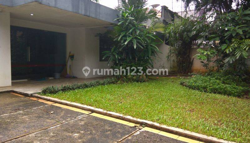 Comfortable and beautiful house In Brawijaya area for office The price can be negotiable