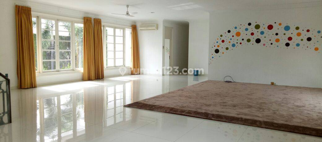Bright, Modern and stylish house in Kebayoran Baru - Senayan