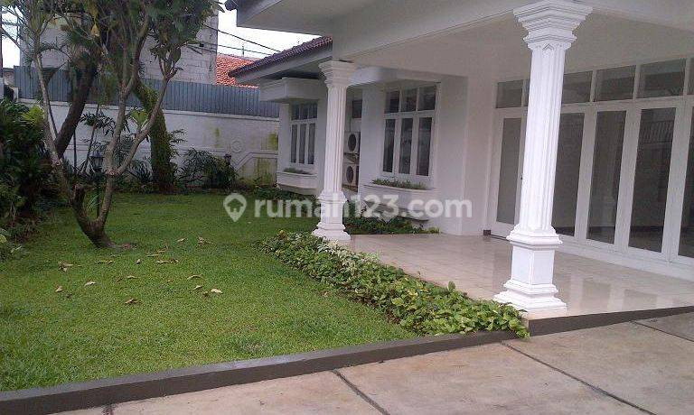 Classic Modern House in Kemang