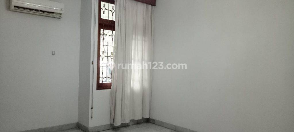Luxury house in Menteng area ready