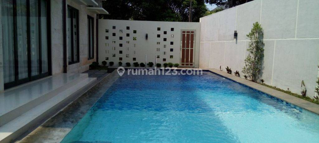 """Good House for Bussiness of area kuningan \"""" The Price Can Be Negotiable \"""""""