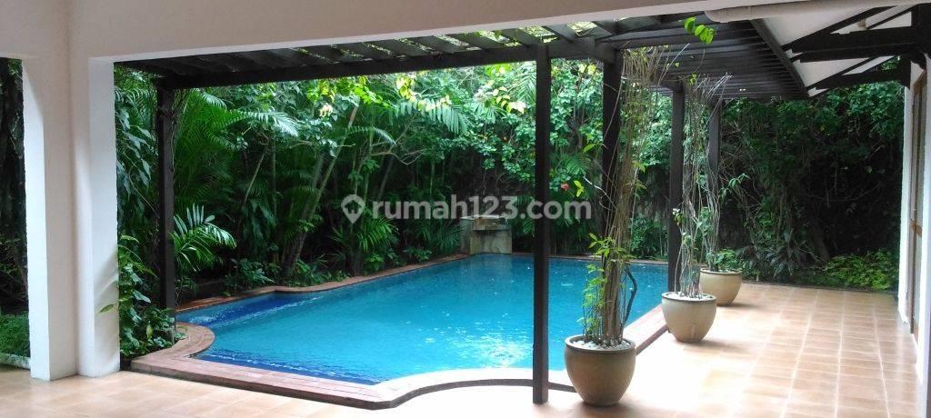 Big, beauty and comfortable house at Kuningan, South Jakarta, is available now