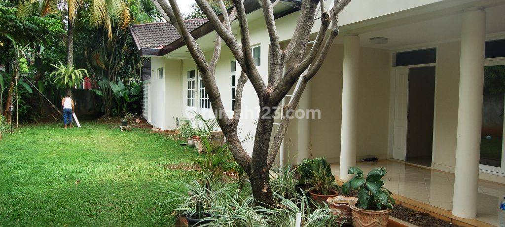 Beautiful House 4BR with Private Pool in Kemang Timur