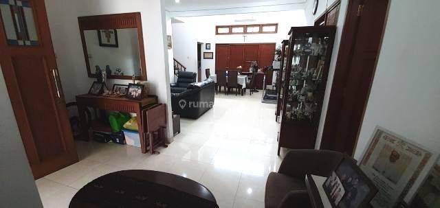 Rumah bagus 2lantai di Senayan Bintaro Jaya