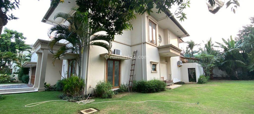 HOUSE  BEAUTIFUL & BIG HOUSE AT AMPERA, JAKARTA SELATAN