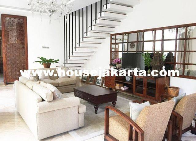 Town House for lease at Kemang nice and modern house