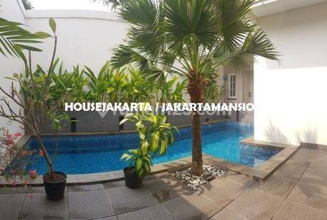 House for Lease nice and modern house at Pondok Indah near to JIS School