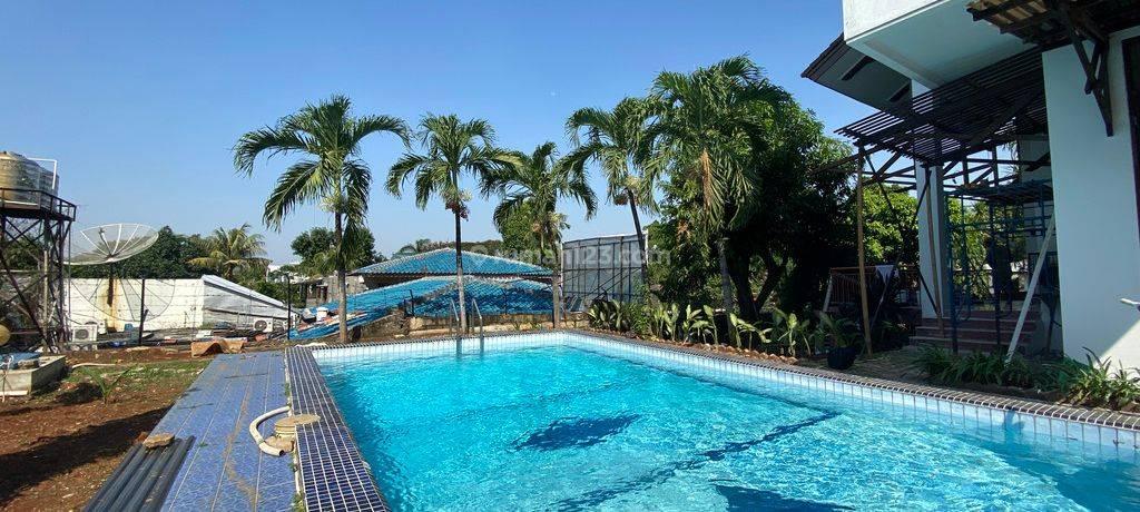 big house with huge backyard at kemang timur , jakarta selatan