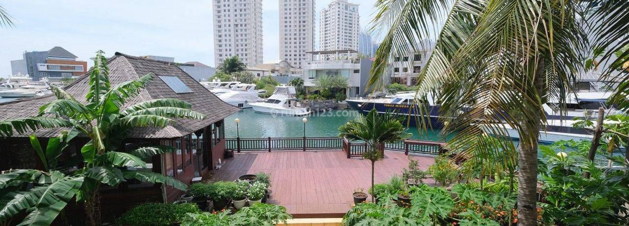 Rumah Mewah di Kawasan Elite Pantai Mutiara dengan View Kanal dan Ada Dermaga Pribadi. Dekat dengan PIK, Dekat Pintu Tol, Nego Sampai Jadi