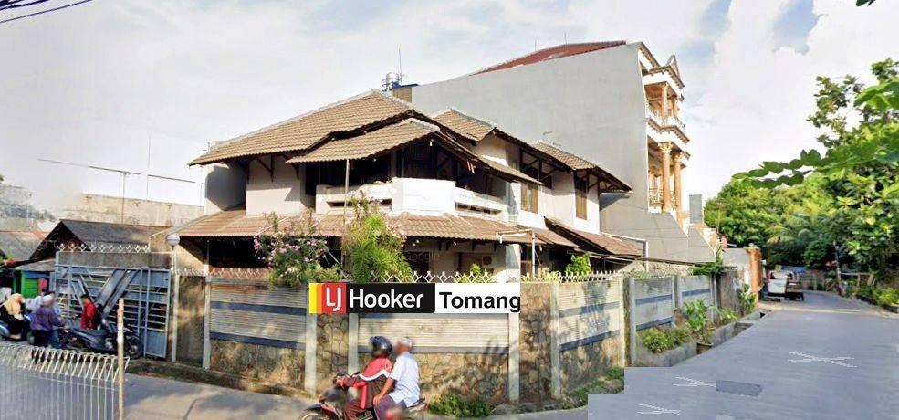 RUMAH Jarang Ada Zona komersil, dibawah Harga NJOP, Tomang, Jakarta Barat