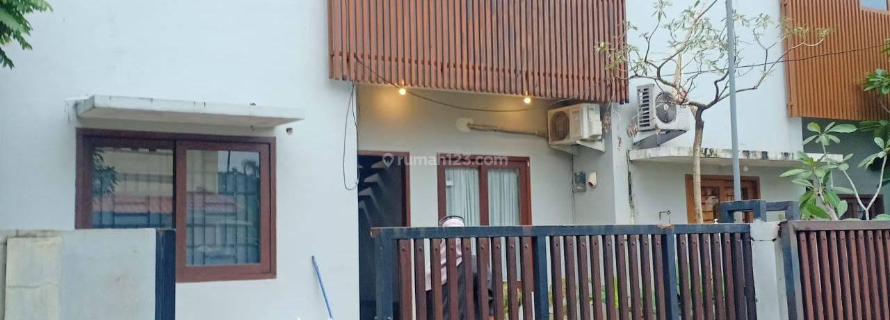 Rumah dalam Komplek di Gandul Cinere