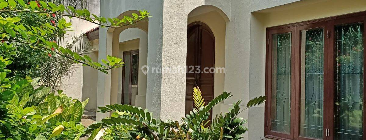 Rumah Bagus 2 Lt area Elit Dukuh Patra, Kuningan, Jakarta Selatan
