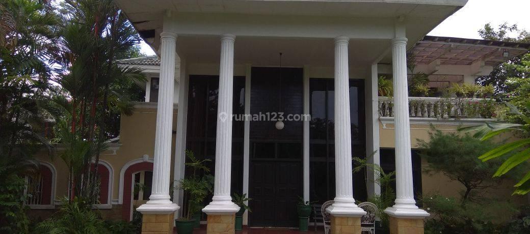 Rumah Asri dan Megah di lingkungan Tenang dekat Jl. TB Simatupang, Jatipadang,  Jakarta Selatan
