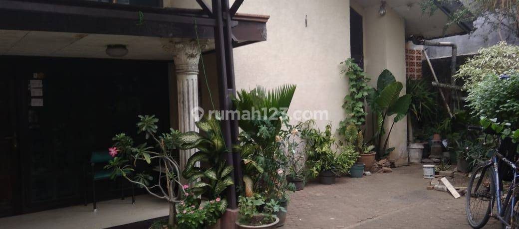 Rumah Dekat Kampus UPN Bebas Banjir di Pangkalan Jati Cinere