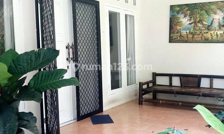 Beautiful One Storey House with Private Pool in Kemang Dalam 4BR