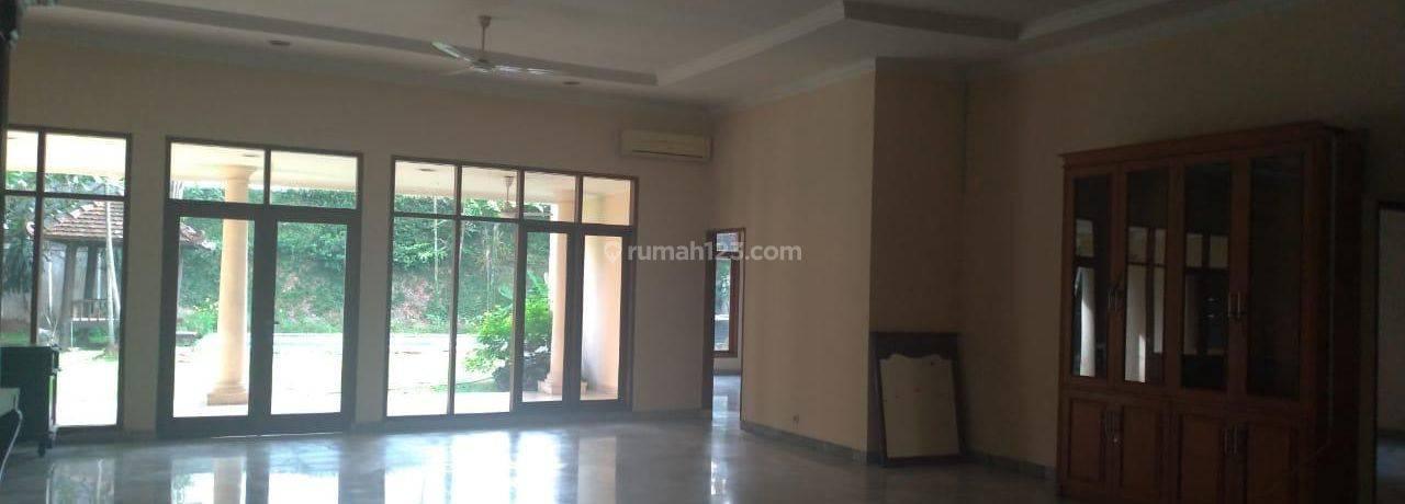 Rumah 1 Lantai Cocok Untuk Kantor, di Jeruk Purut - Kemang 5 Kamar Tidur