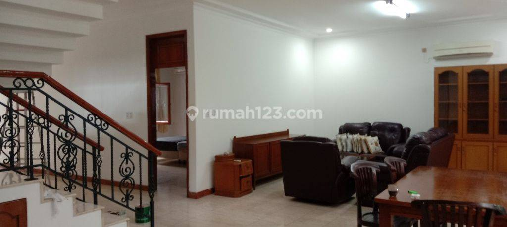 Beautiful house, secure and comfort at Kuningan, South Jakarta, is available now