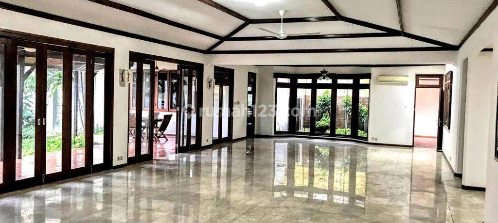 Big and comfortable house at Kemang. South Jakarta, is available now