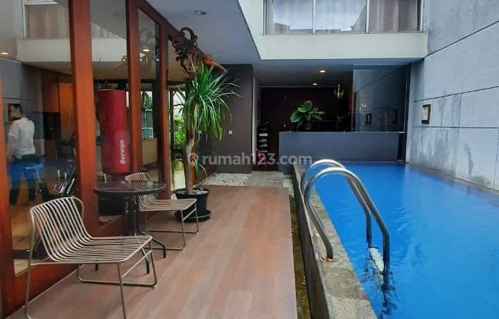 Rumah dalam townhouse di kemang ada pool security 24 jam