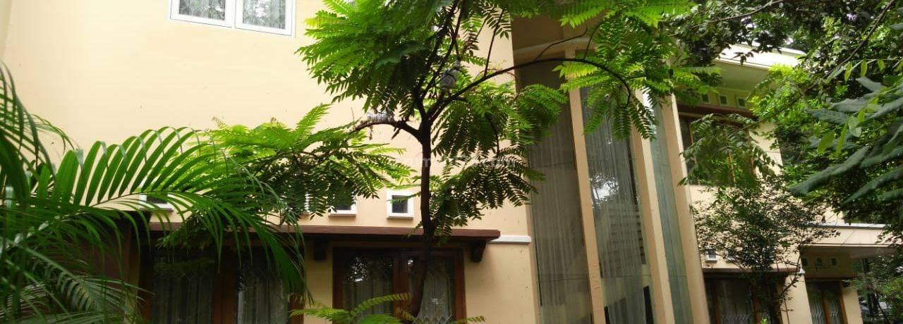 Rumah di Senopati LT528 LB392