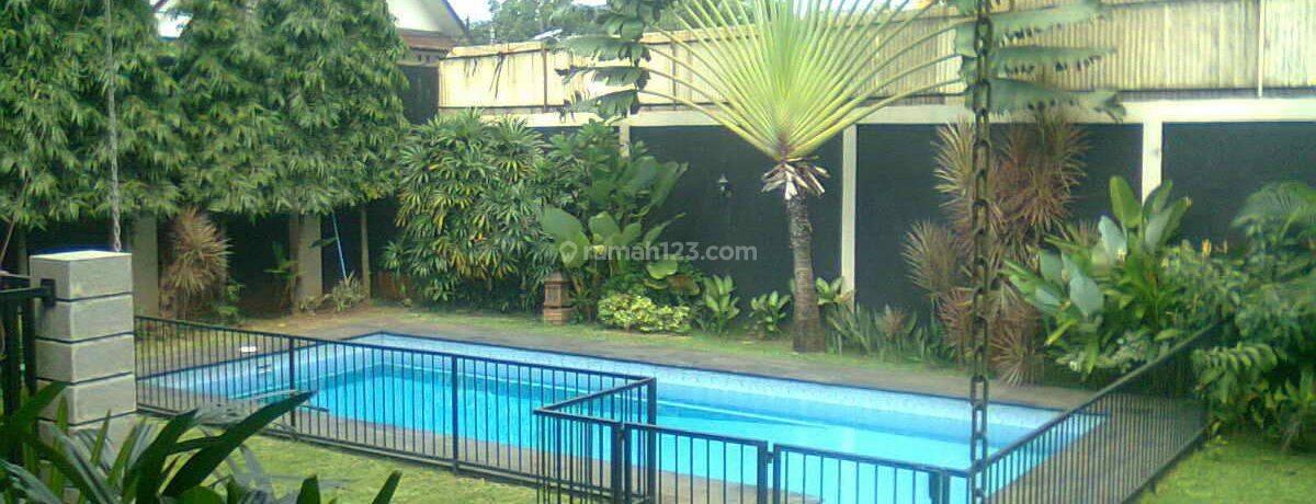 Rumah Asri & Nyaman Dengan Halam Luas Siap Huni (PD010242)