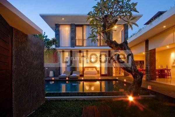 Villa Cantik dan Nyaman di Jl. Petitenget Kerobokan Kelod, Kuta, Badung