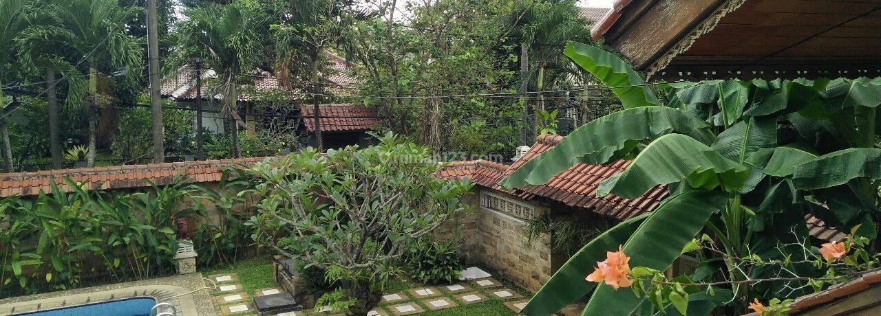 Rumah besar bagus di Cilandak, dekat MRT