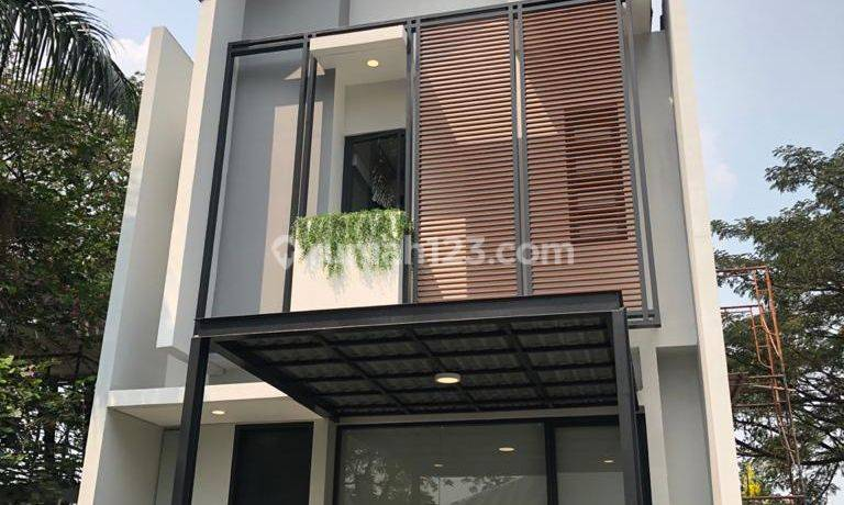 Rumah Modern Full Furnished 2,5 Lantai Myza Cosmo House  BSD Tangerang.