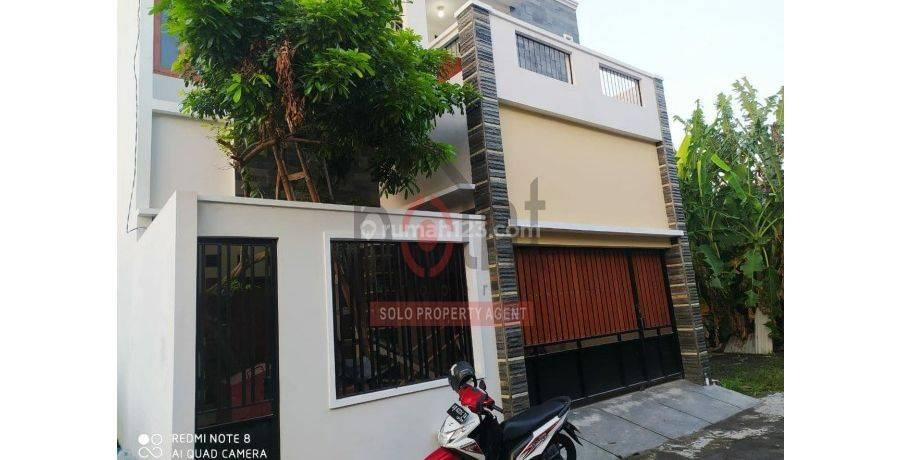 Rumah Cantik 2 Lantai di Gawanan Karanganyar (MS)