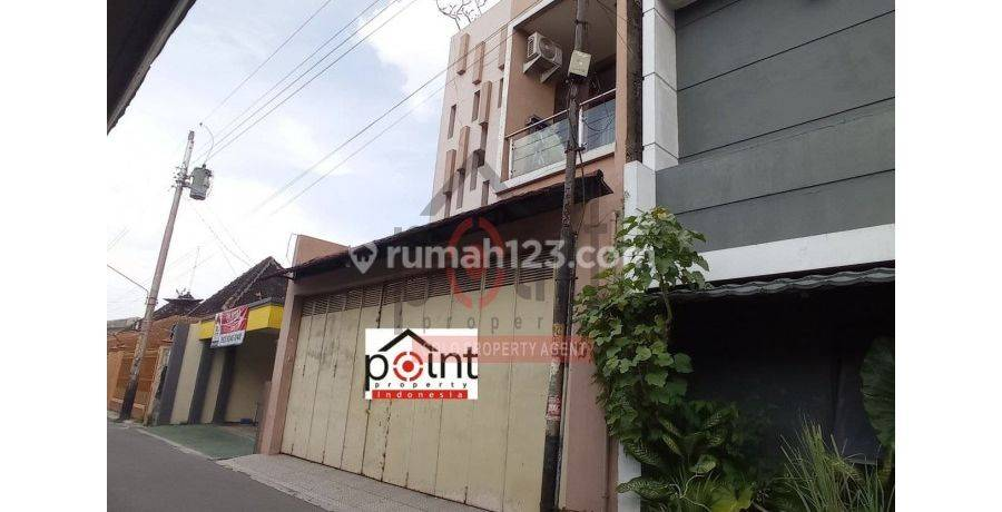 Rumah Bagus 2 Lantai di Ketelan Banjarsari Solo (JH)